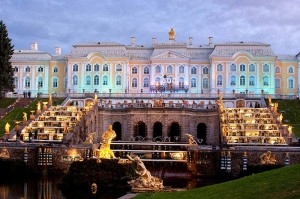 grand-palace-in-peterhof