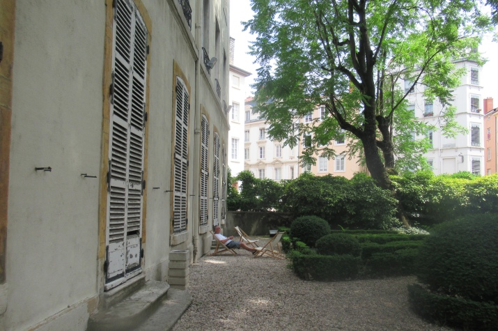 the garden at the textile museum