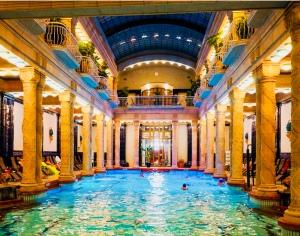 lucious gellert baths