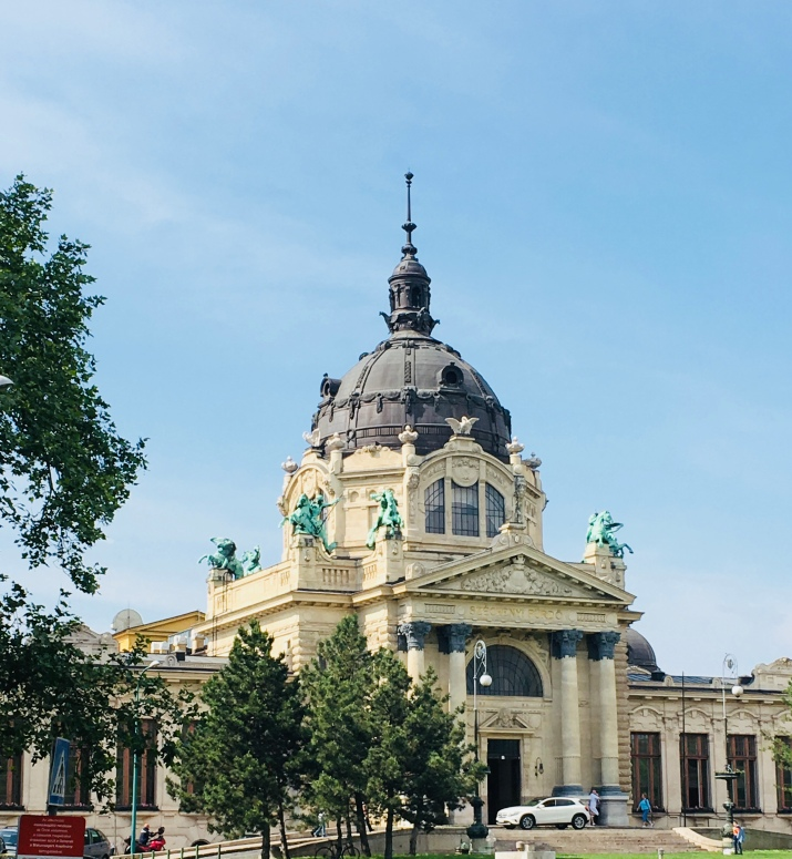 the entrance to the szechenyi baths