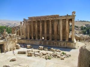 the temple of bacchus, inspiration for la madalaine in paris