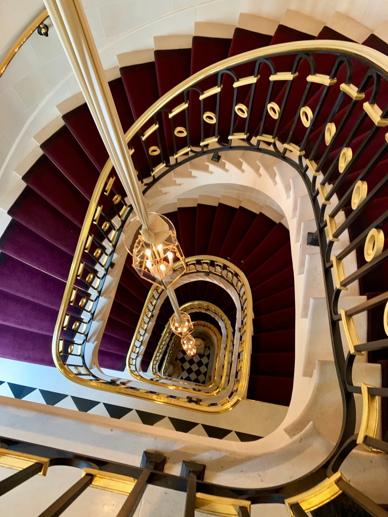 the main staircase at La Reserve, Paris