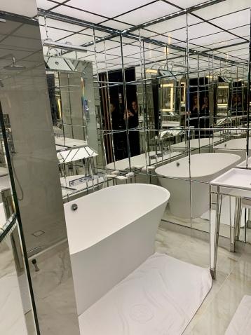 luxurious bathtub
