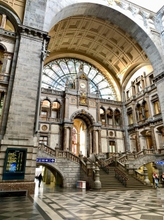 the inside of the central train station