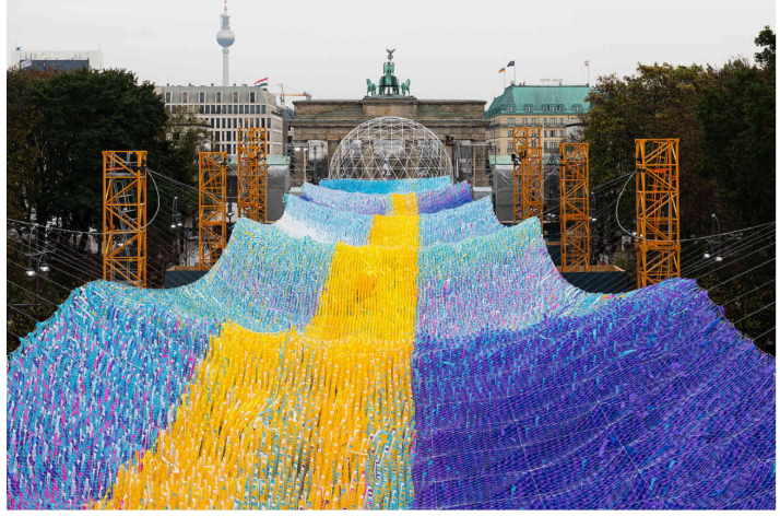30000 messages from Berliners made into art to celebrate 30 years since the fall of the Berlin Wall, photo by Thomas Meyer