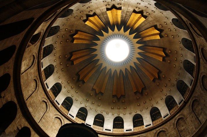 holy sepulcher, jerusalem by Noam Chen
