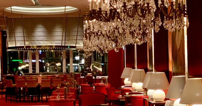 the lobby bar at De L'Europe